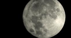 La lluna en vers a les cases museu